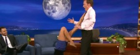 Conan O&#039;Brien Is Een Yoga-Steun