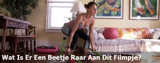 Wat Is Er Een Beetje Raar Aan Dit Filmpje?