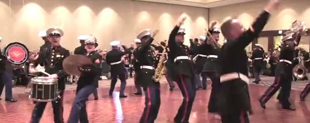 Marine Band Doet Macklemore's Thrift Shop