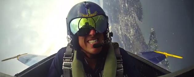Beelden Uit De Cockpit Van Een Stuntvlieger