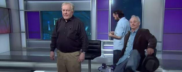 We hebben bij PrutsFM een aantal onbetwiste helden, Bill Murray is daar één van. Bill maakt zijn Pruts status keer op keer waar. Gisteren bijvoorbeeld, kwam hij uit een taart bij de laatste show van David Letterman. Na de uitzending was er en dol dwaas feestje, waar Murray de wodkafles geen seconde van zijn lippen heeft gehad. Daarna verscheen hij ladderzat bij het serieuze praatprogramma The Last Word met Lawrence O'Donnell. Geen enkel probleem voor Bill.