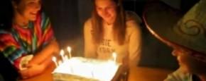 Knock-Out In Je Eigen Verjaardagstaart