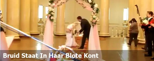 Bruid Staat In Haar Blote Kont
