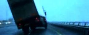 Hoge Vrachtwagens Vangen Veel Wind