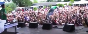 Stage Dive Fail!