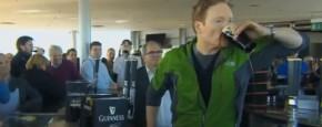 Conan O'Brien Doet Alles Voor Gratis Bier
