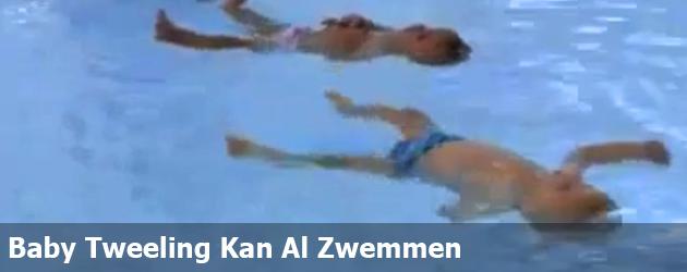 Baby Tweeling Kan Al Zwemmen