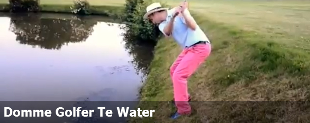 Domme Golfer Te Water