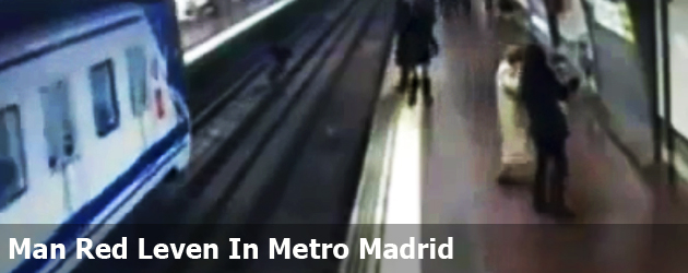 Man Red Leven In Metro Madrid
