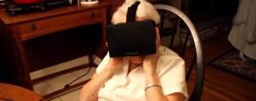 90-Jarige Oma Probeert Virtual Reality Bril