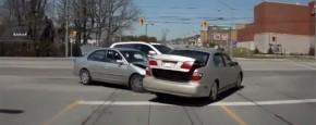 Auto Ongeluk Met Vrolijke Verrassing