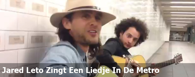 Jared Leto Zingt Een Liedje In De Metro