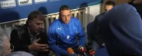 Bulgaarse Coach Weggejaagd Door Supporters