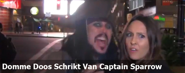 Domme Doos Schrikt Van Captain Sparrow