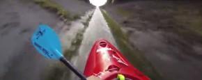 Met 56 Km/u In Een Kajak Door Het Riool