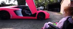Terminaal Meisje Krijgt Rit In Lamborghini