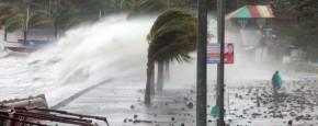 Middenin Tyfoon Haiyan Op De Filipijnen