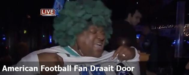 American Football Fan Draait Door