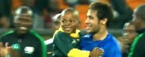 Neymar Bezorgt Jochie Dag Van Zijn Leven