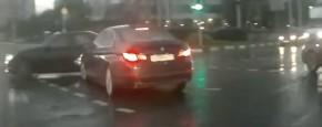Hoe Kan Dat Nou? Een Russische Spookauto!