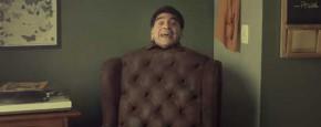 Dat Zie Je Niet Vaak: Maradona Als Stoel
