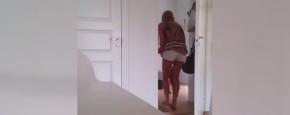 Moeder Probeert Tweeling In Bed Te Krijgen