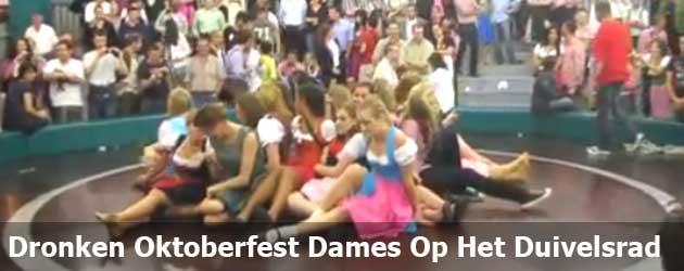 Dronken Oktoberfest Dames Op Het Duivelsrad