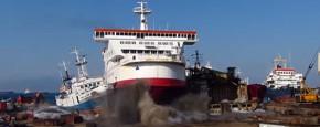 Veerboot Met Volle Snelheid Het Strand Op