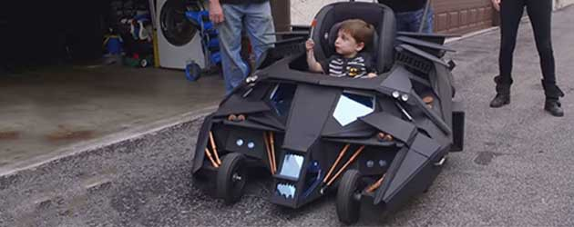 Yes! De Batmobile Baby Kinderwagen Is Daar!