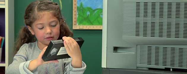 Kinderen Zien Voor Het Eerst Een Videoband
