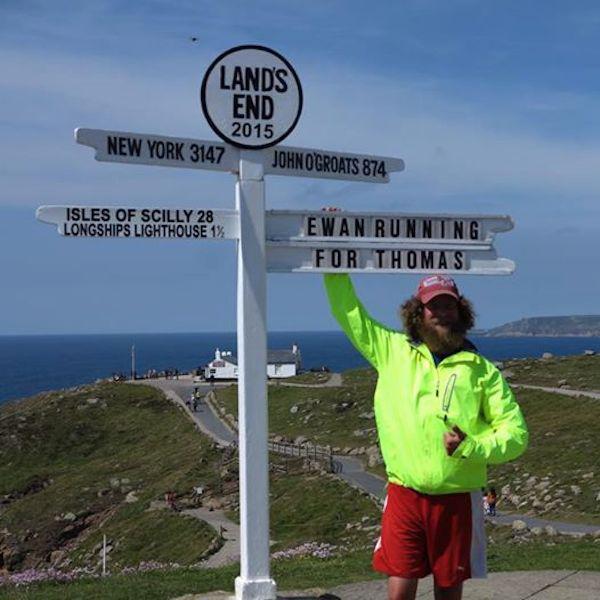 Altijd PrutsFM Gast Rent 42 Marathons Als Forrest Gump (2)