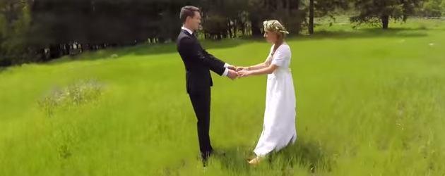 PrutsFM.nl Leuk een Drone, maar niet echt betrouwbaar. Het gelukkige paar ziet er romantisch uit, al zal de wereld nooit weten hoe gigantisch romantisch deze dag daadwerkelijk was.