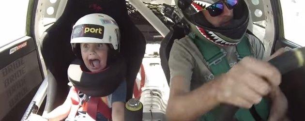 PrutsFM.nl Papa is lid van het TruCrew drift team uit Kazachstan. Dan is het vrij logisch dat hij zijn 5-jarige zoontje mee neemt als hij gaat racen. Kinderopvang is duur tegenwoordig.