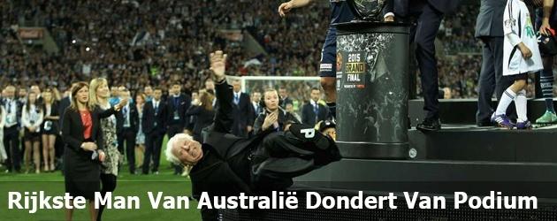 Rijkste Man Van Australië Dondert Van Podium