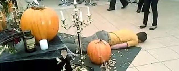 Halloween Prank Loopt Helemaal Verkeerd Af
