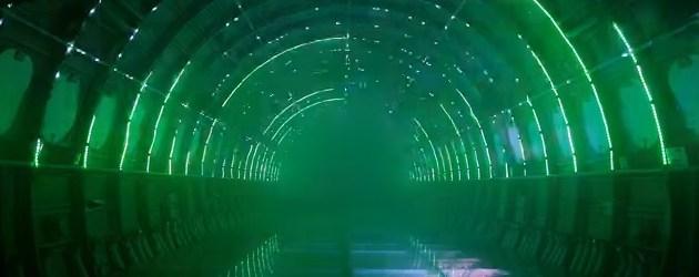Uber Vette Lichtshow In Een Oud Vliegtuig