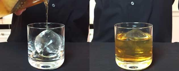 Zo maak je onzichtbare ijsklontjes voor in je cocktail glas