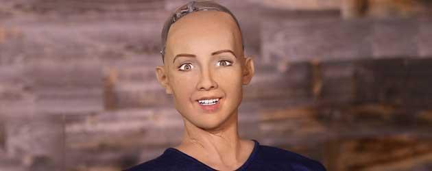 Ik wist het! Robot Sylvia verklaart mensen te willen vernietigen!