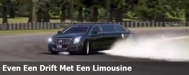 Even Een Drift Met Een Limousine