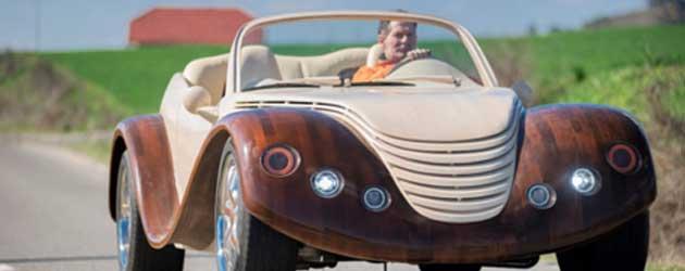 Gast Spendeert 18000 € Aan Een Houten Auto