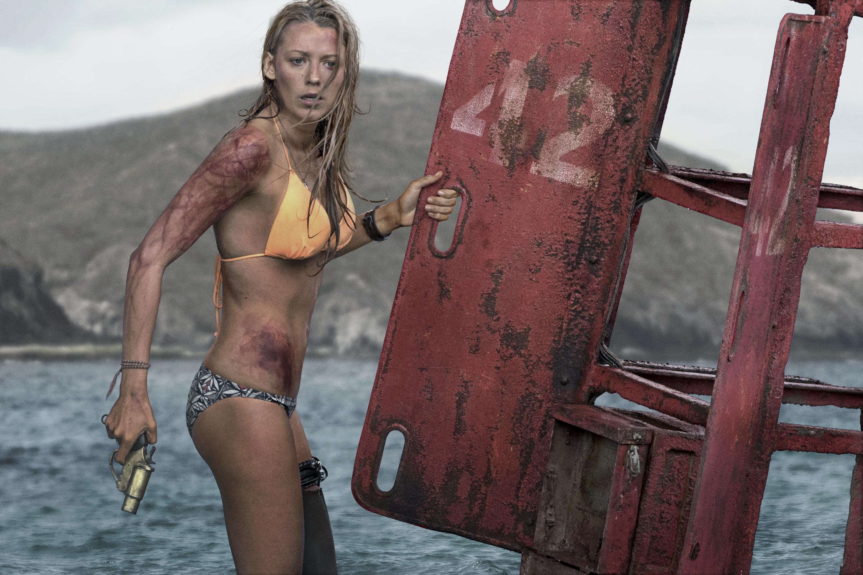 Nieuwe Trailer The Shallows Met Blake Lively En een Haai