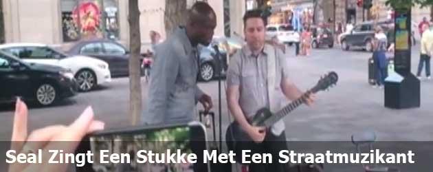 Seal Zingt Een Stukke Met Een Straatmuzikant