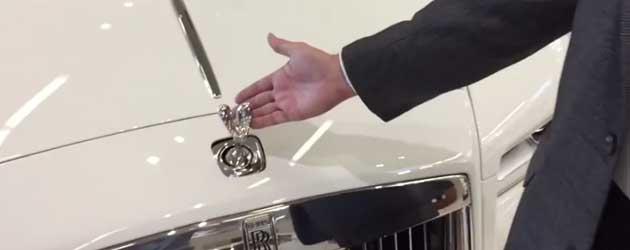 Dit gebeurt er wanneer je het Rolls Royce Logo probeert te jatten