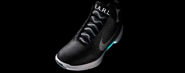 Ontmoet E.A.R.L Nikes schoen met de automatische veters