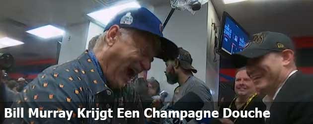 Bill Murray Krijgt Een Champagne Douche