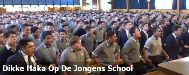 Dikke Haka Op De Jongens School