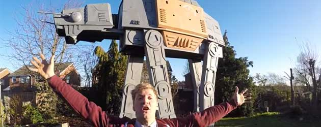 Gast Bouwt Gigantische Star Wars AT-ACT