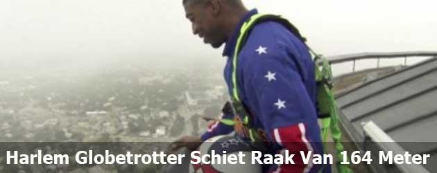 Harlem Globetrotter Schiet Raak Vanaf 164 Meter