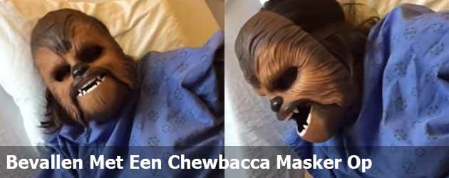 Bevallen Met Een Chewbacca Masker Op