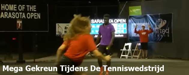 Dit gekreun heb jij nog nooit gehoord tijdens een tenniswedstrijd